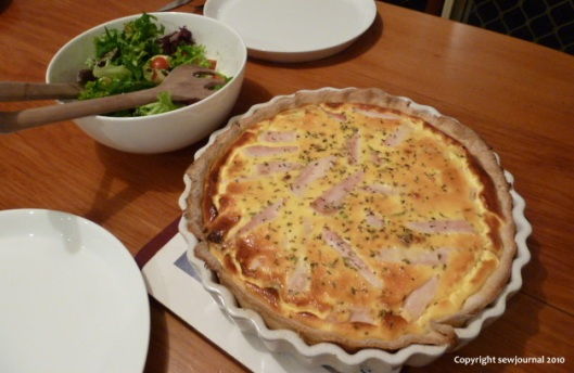 Smoked chicken and leek quiche